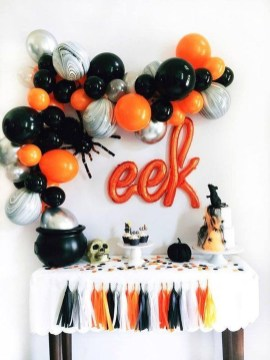 Astonishing Halloween Table Decoration That Perfect For This Year 43