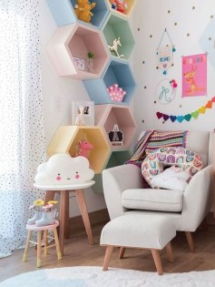 Awesome Child's Room Ideas With Wall Decoration 37