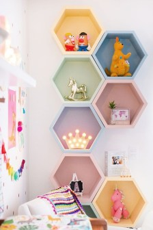Awesome Child's Room Ideas With Wall Decoration 46