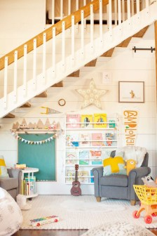 Awesome Child's Room Ideas With Wall Decoration 48