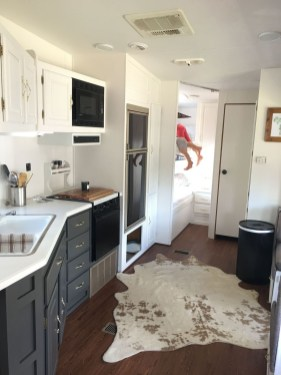Fabulous RV Renovation Ideas To Make A Happy Campers 25