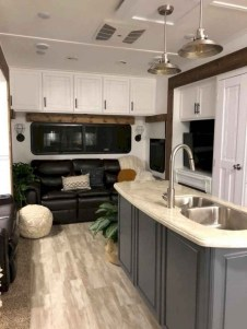 Fabulous RV Renovation Ideas To Make A Happy Campers 32