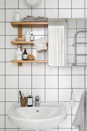 Inspiring Bathroom Decoration Ideas With Wooden Storage 26