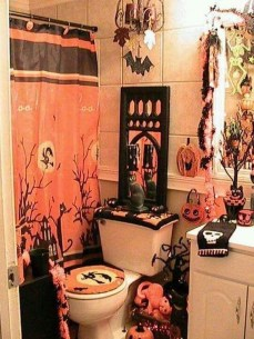 Scary Halloween Decorating Ideas For Your Bathroom 10