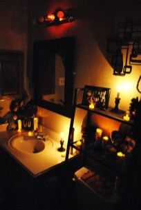 Scary Halloween Decorating Ideas For Your Bathroom 14