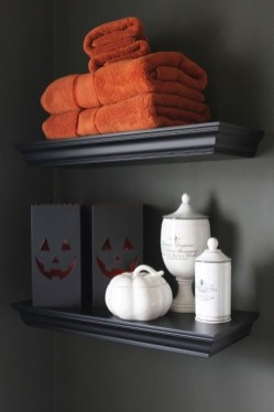 Scary Halloween Decorating Ideas For Your Bathroom 16