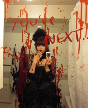 Scary Halloween Decorating Ideas For Your Bathroom 18