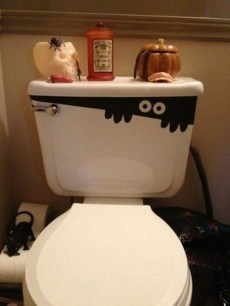 Scary Halloween Decorating Ideas For Your Bathroom 20