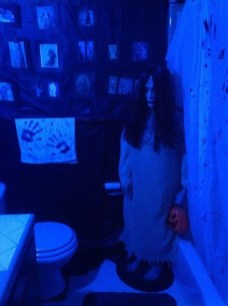 Scary Halloween Decorating Ideas For Your Bathroom 22