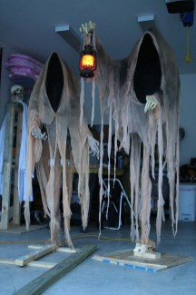Spooktacular Halloween Outdoor Decoration To Terrify People 05