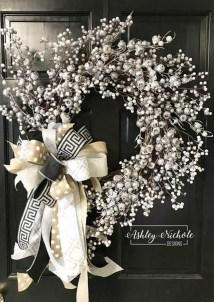Beautiful DIY Winter Wreath To Place It On Your Door 11