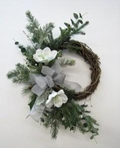 Beautiful DIY Winter Wreath To Place It On Your Door 19