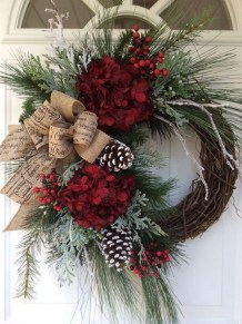 Beautiful DIY Winter Wreath To Place It On Your Door 23