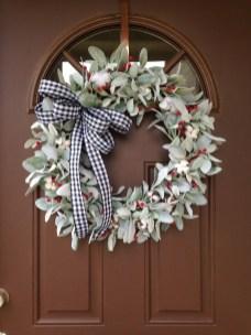 Beautiful DIY Winter Wreath To Place It On Your Door 50