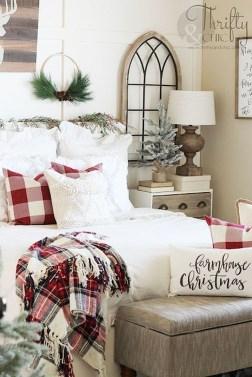 Best Master Bedroom Decoration Ideas For Winter 34