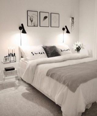 Best Master Bedroom Decoration Ideas For Winter 35
