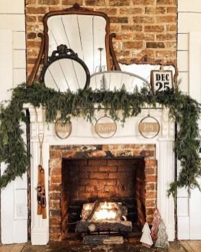 Inspiring Fireplace Mantel Decorating Ideas For Winter 07