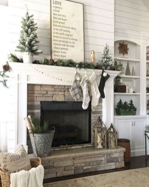 Inspiring Fireplace Mantel Decorating Ideas For Winter 09