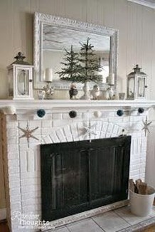 Inspiring Fireplace Mantel Decorating Ideas For Winter 10