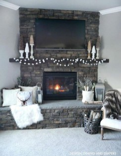 Inspiring Fireplace Mantel Decorating Ideas For Winter 37