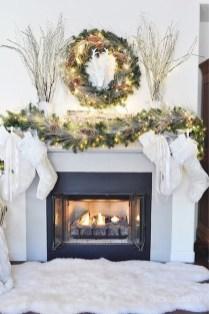 Inspiring Fireplace Mantel Decorating Ideas For Winter 40