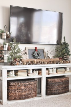 Outstanding Winter Decoration Ideas For Your Apartment 06