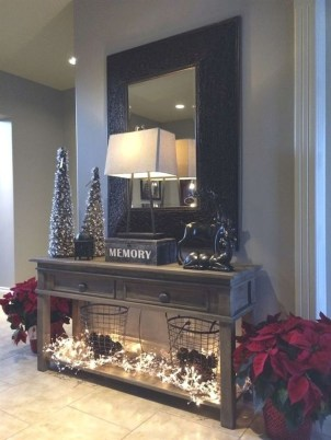 Outstanding Winter Decoration Ideas For Your Apartment 15