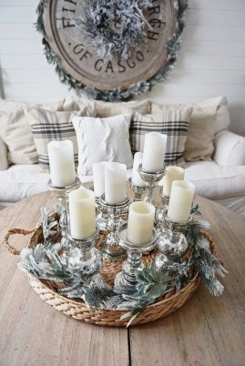 Outstanding Winter Decoration Ideas For Your Apartment 18