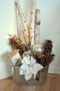 Outstanding Winter Decoration Ideas For Your Apartment 20