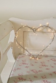Affordable Valentine's Day Shabby Chic Decorations On A Budget 02