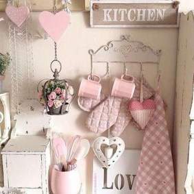 Affordable Valentine's Day Shabby Chic Decorations On A Budget 04