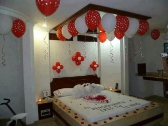 Beautiful And Romantic Valentine's Day Bedroom Design Ideas 03