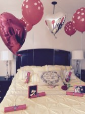 Beautiful And Romantic Valentine's Day Bedroom Design Ideas 05