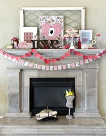 Best Valentines Day Mantel Decor Ideas That You Will Falling In Love With 21