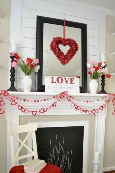Best Valentines Day Mantel Decor Ideas That You Will Falling In Love With 27