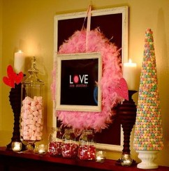 Best Valentines Day Mantel Decor Ideas That You Will Falling In Love With 28