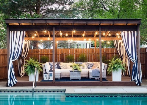 Comfy Pool Seating Ideas For Your Outdoor Decoration 23