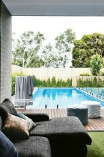 Comfy Pool Seating Ideas For Your Outdoor Decoration 40