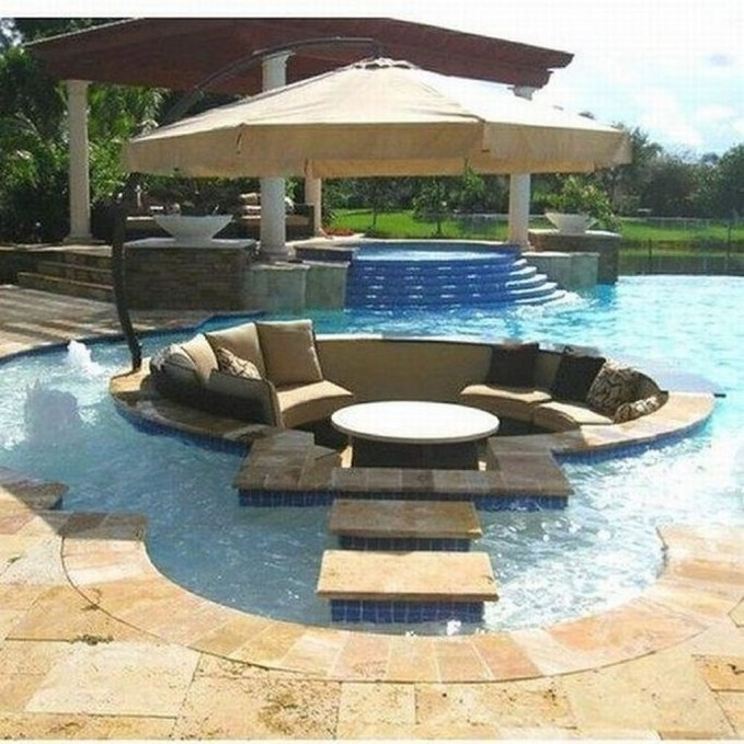 Comfy Pool Seating Ideas For Your Outdoor Decoration 46