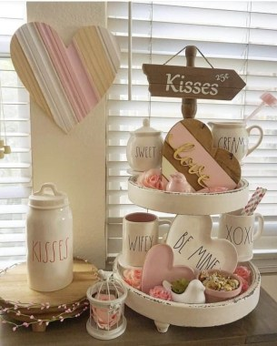 Creative DIY Valentines Day Decoration Ideas To Beautify Your Home 33
