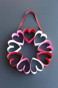 Cute Valentine Door Decorations Ideas To Spread The Seasons Greetings 32