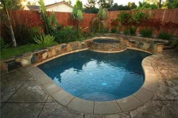 Extraordinary Small Pool Design Ideas For Small Backyard 14