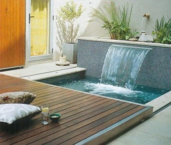 Extraordinary Small Pool Design Ideas For Small Backyard 47