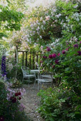 Fascinating Cottage Garden Ideas To Create Cozy Private Spot 06
