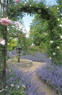 Fascinating Cottage Garden Ideas To Create Cozy Private Spot 10