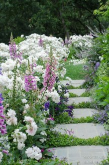 Fascinating Cottage Garden Ideas To Create Cozy Private Spot 13