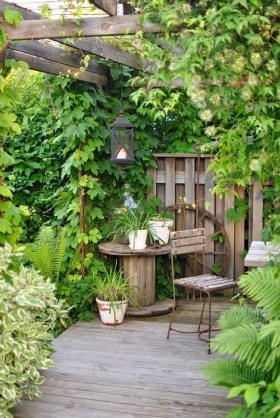 Fascinating Cottage Garden Ideas To Create Cozy Private Spot 18