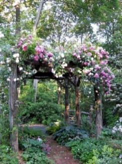 Fascinating Cottage Garden Ideas To Create Cozy Private Spot 47