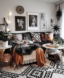 Gorgeous Bohemian Farmhouse Decorating Ideas For Your Living Room 20