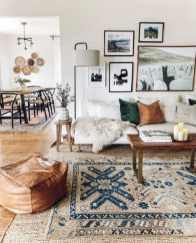 Gorgeous Bohemian Farmhouse Decorating Ideas For Your Living Room 24